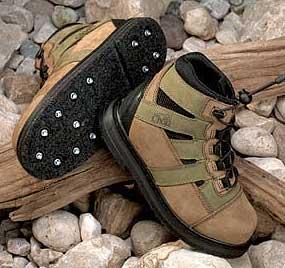 Brodící boty s hroty proti klouzání