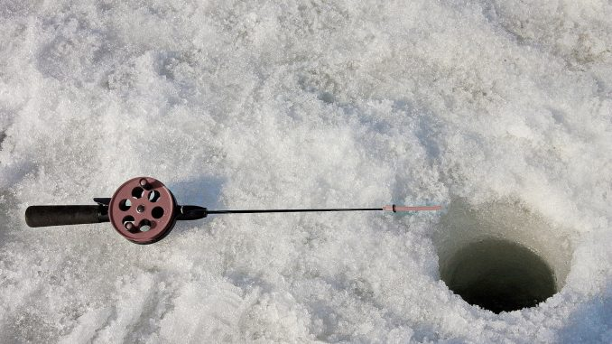 Při lovu na marmyšky a drobné nástrahy se hodí speciální krátký proutek