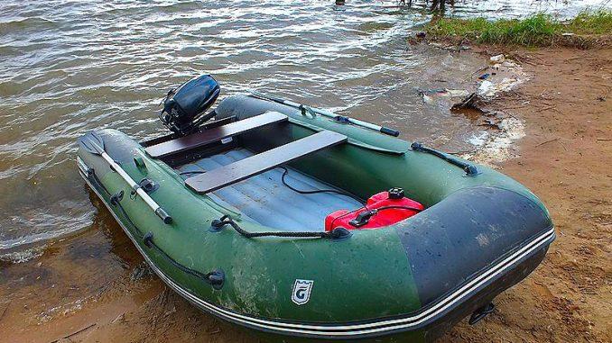 Rybářské nafukovací čluny jsou vhodné pro přívlač na velkých řekách a přehradách. Rybářský člun s elektromotorem