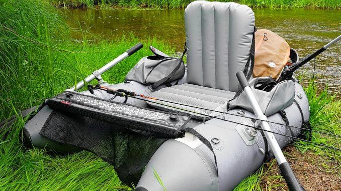 Lov z belly boatu vám dá svobodu rybaření
